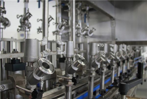 China Samll en botella automática que cocina la máquina de rellenar del aceite vegetal